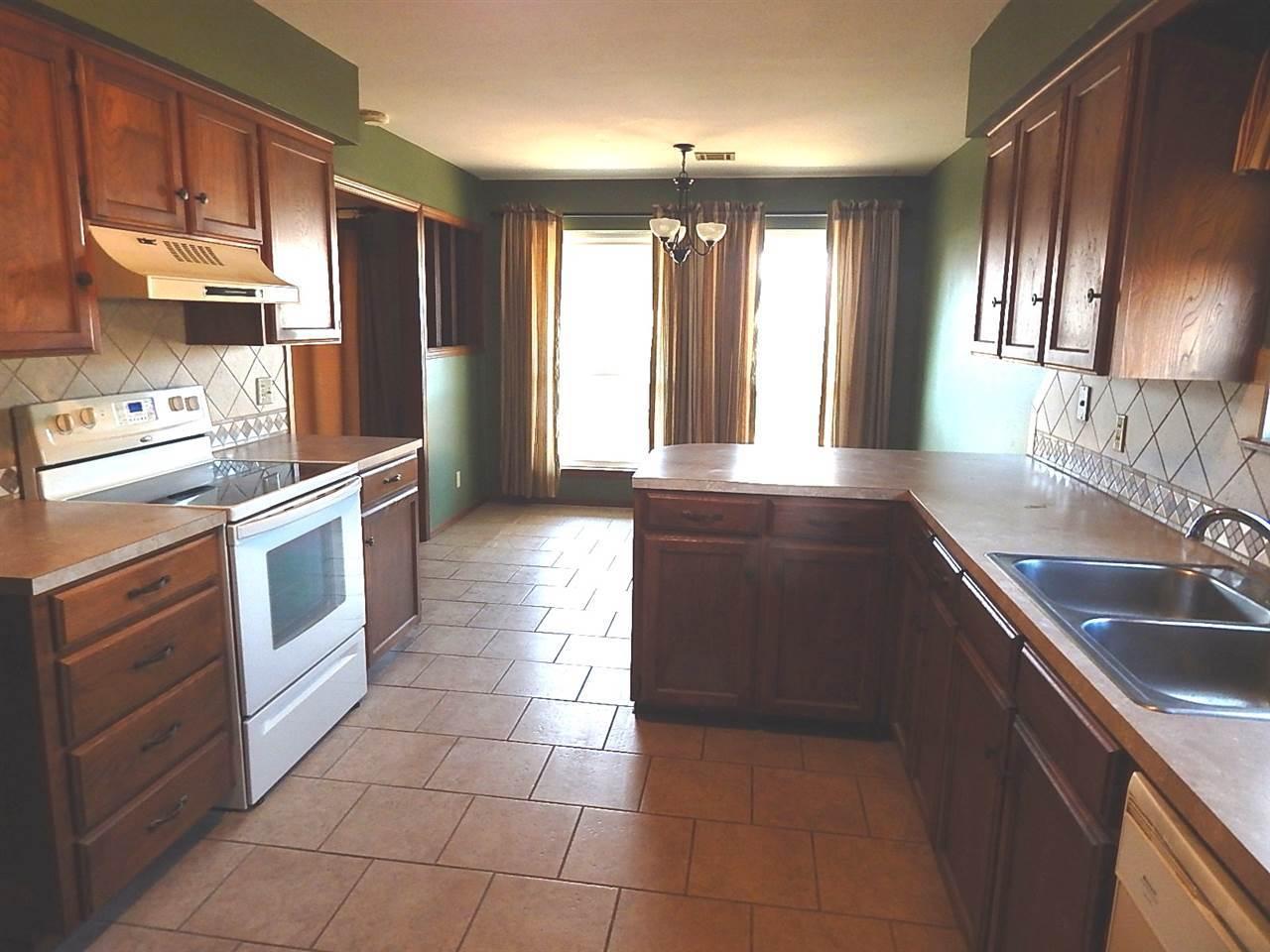 Sold Cross Sale W/ MLS | 2312 Calvert Ponca City, OK 74601 7