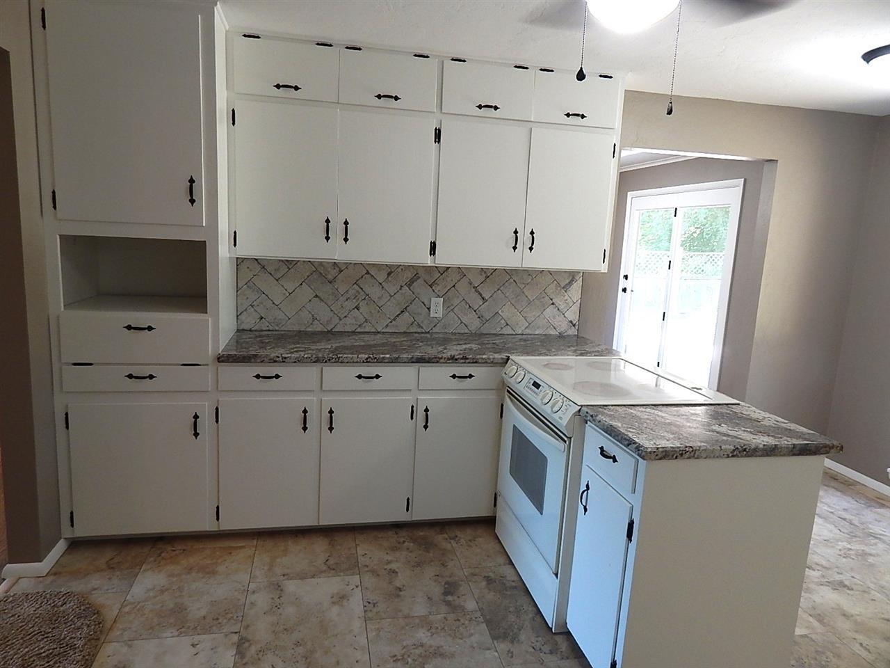 Sold Cross Sale W/ MLS | 1604 Blackard Ponca City, OK 74604 5
