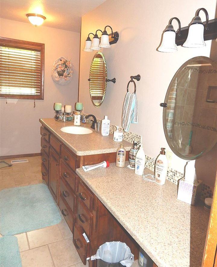 Sold Cross Sale W/ MLS | 712 Sugar Maple Ponca City, OK 74604 8