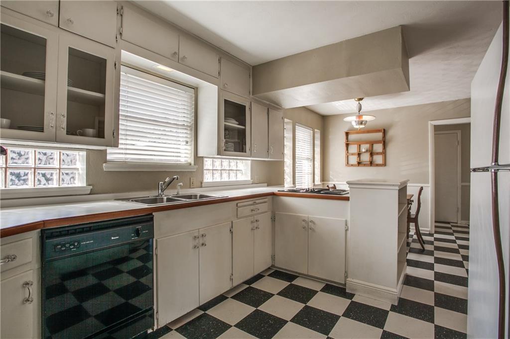 Sold Property | 4147 Valley Ridge Road Dallas, Texas 75220 3
