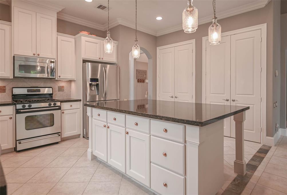 Option Pending | 208 Valmar Street League City, TX 77565 15