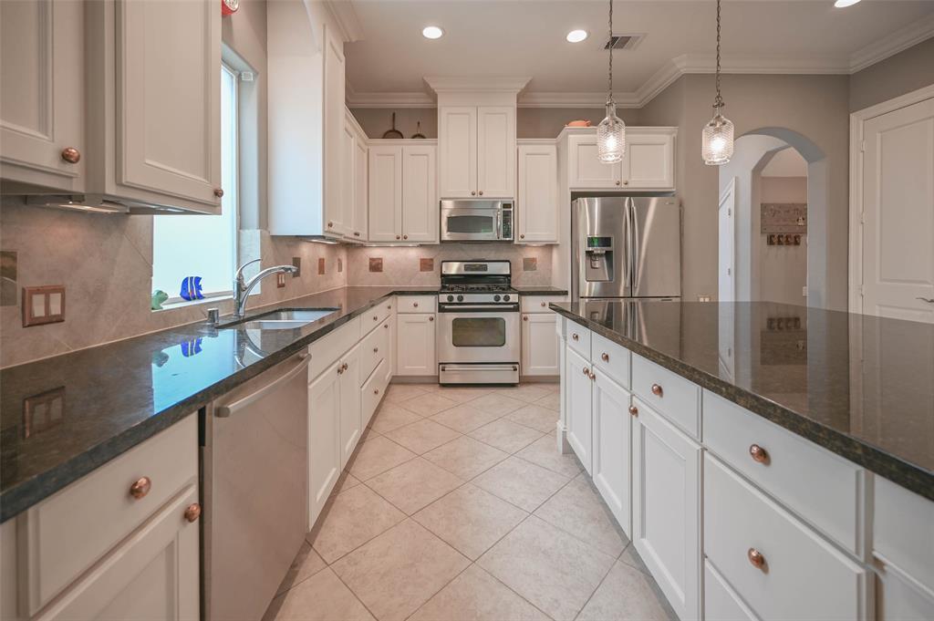 Option Pending | 208 Valmar Street League City, TX 77565 18