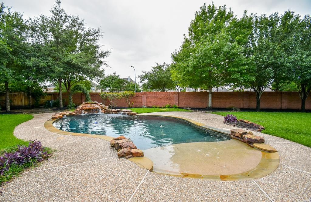 Off Market | 2632 Cottage Creek Drive Pearland, TX 77584 0