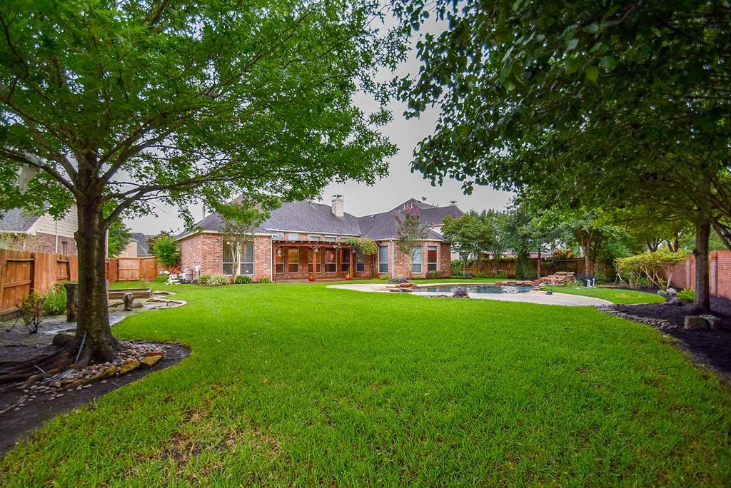 Off Market | 2632 Cottage Creek Drive Pearland, TX 77584 2