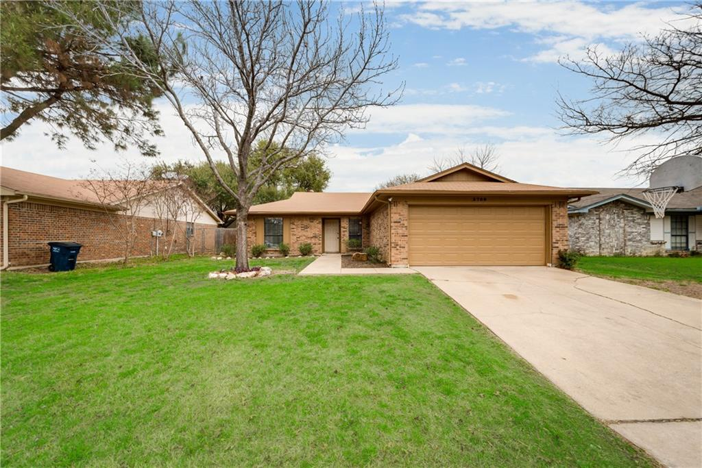 Sold Property | 3709 Greenstone Drive Fort Worth, Texas 76137 2