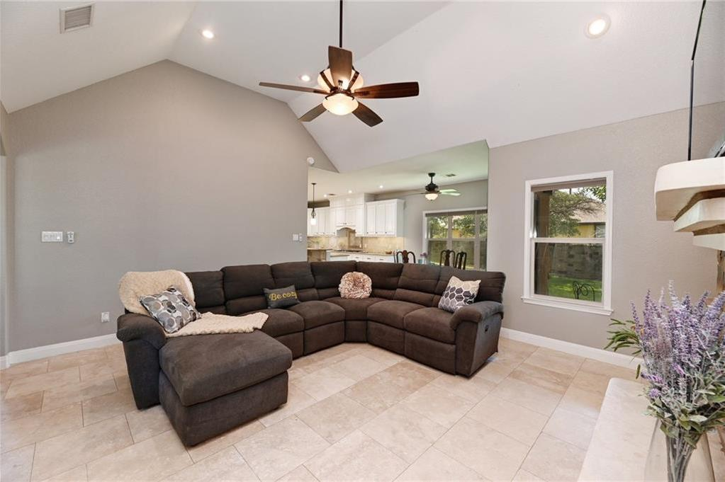 Sold Property | 138 Valley View Drive Bastrop, TX 78602 4