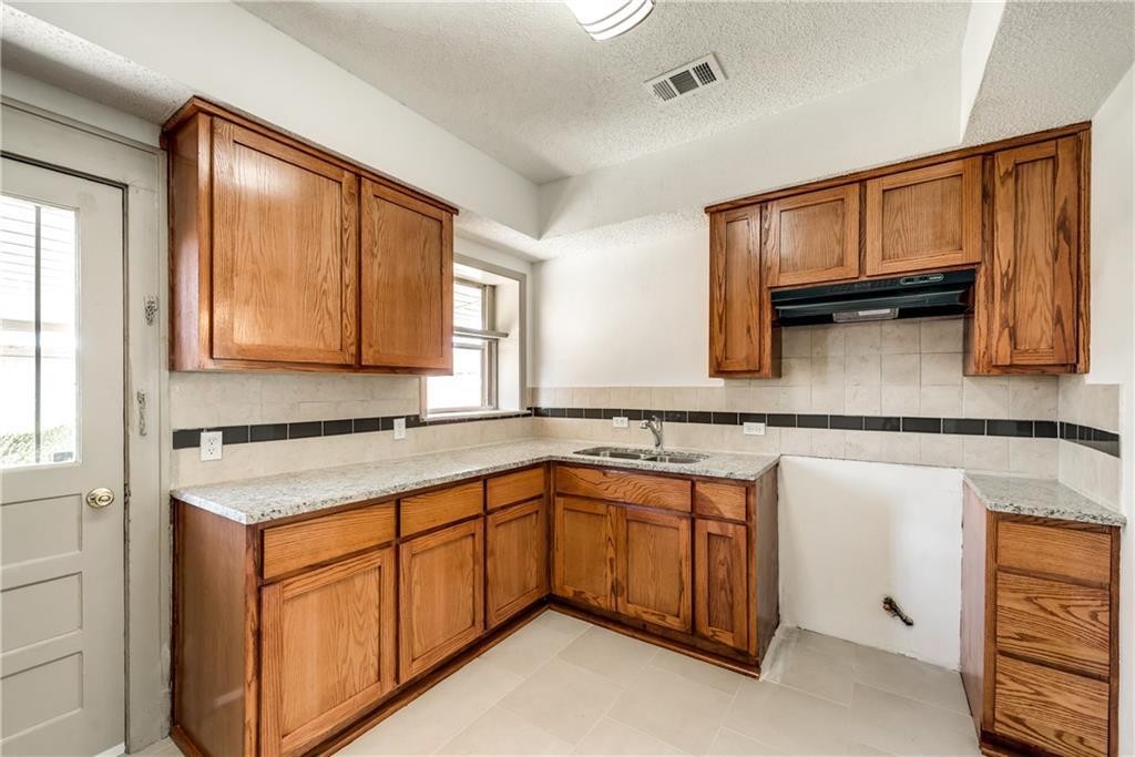 Sold Property | 929 S Rosemont Avenue Dallas, Texas 75208 7