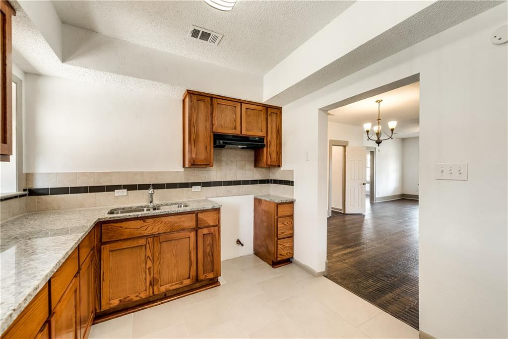 Sold Property | 929 S Rosemont Avenue Dallas, Texas 75208 9