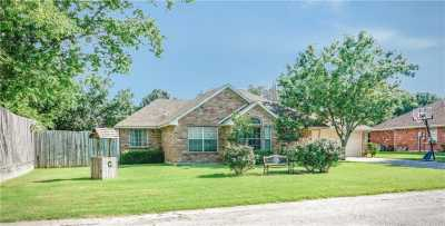 Sold Property | 229 Point Circle Pilot Point, Texas 76258 1