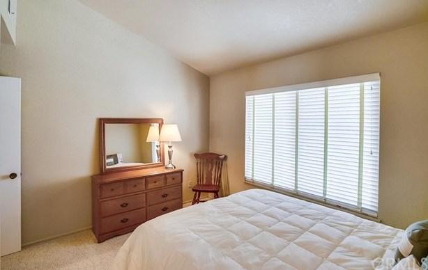 1335 N North Hills Drive | 1335 N North Hills Drive Upland, CA 91784 40