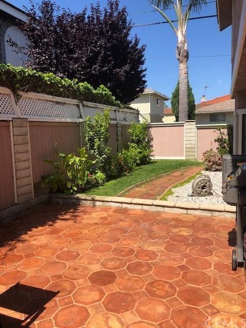 Closed   2200 Graham Avenue #1 Redondo Beach, CA 90278 12