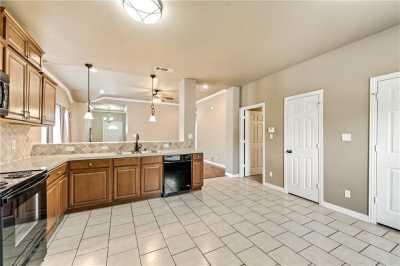 Sold Property | 701 W 9th Street Dallas, Texas 75208 9