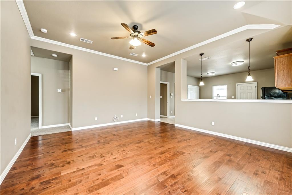 Sold Property | 701 W 9th Street Dallas, Texas 75208 2