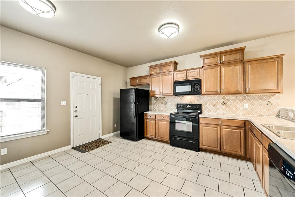 Sold Property | 701 W 9th Street Dallas, Texas 75208 8