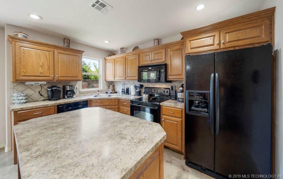 First time home buyers, Sapulpa   7811 Patriot Lane Sapulpa, Oklahoma 74066 28