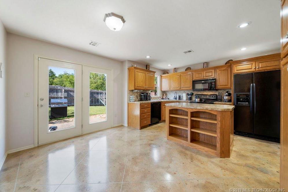 First time home buyers, Sapulpa   7811 Patriot Lane Sapulpa, Oklahoma 74066 7