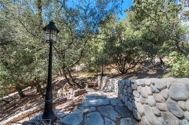 Closed | 840 Sonoma Drive Lake Arrowhead, CA 92352 44