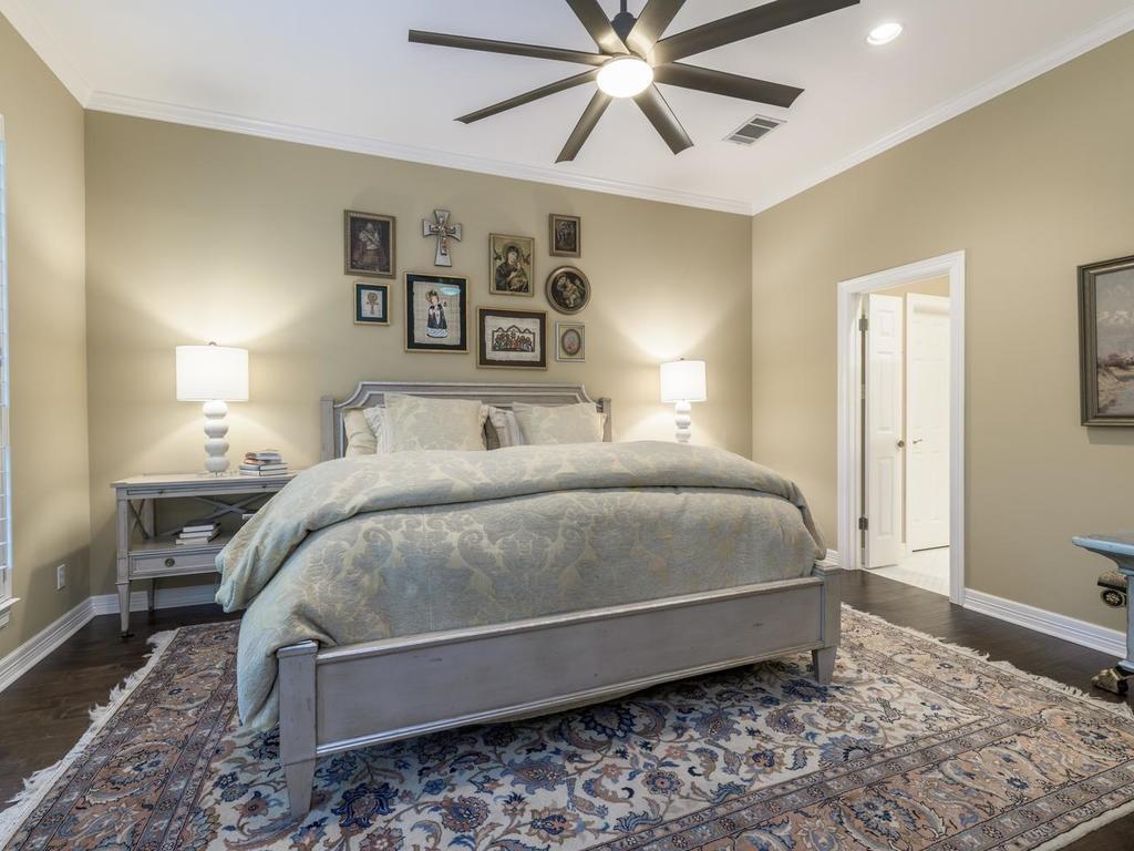 Closed | 7913 Comfort Cove Austin, TX 78731 24