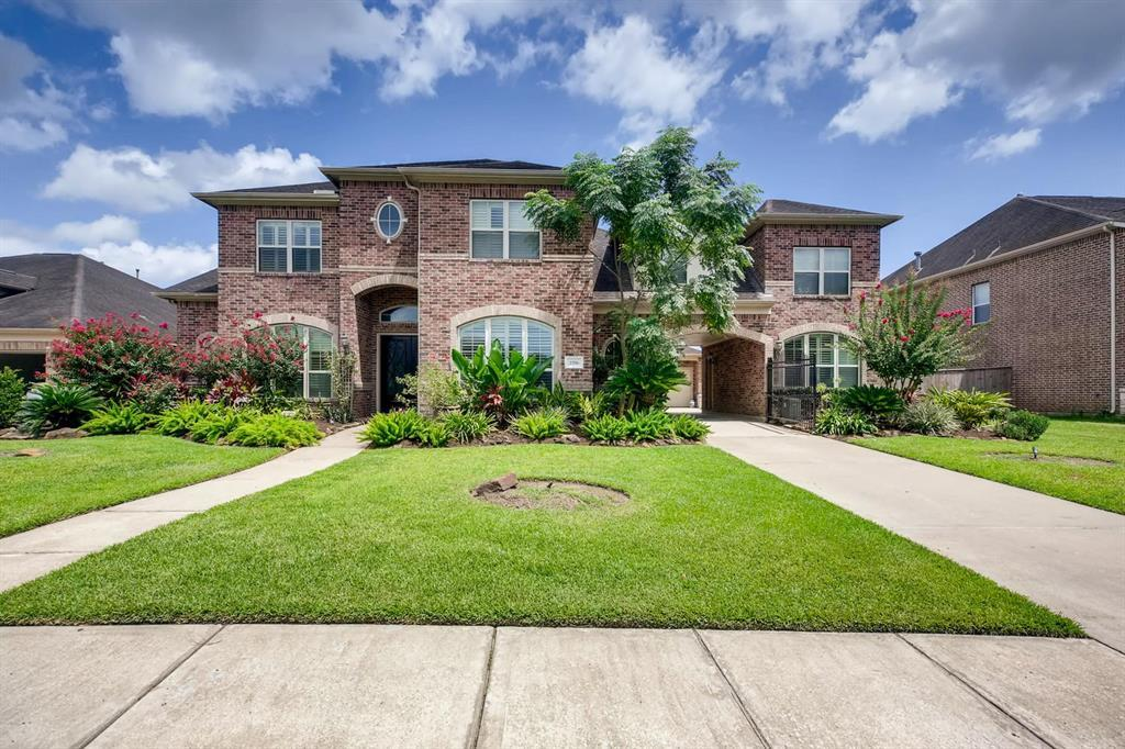 Active | 2556 Costa Mesa Circle League City, TX 77573 1
