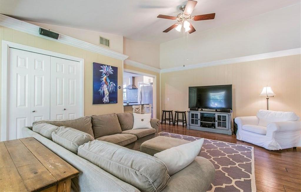 Sold Property | 105 Eagle CV Lakeway, TX 78734 2
