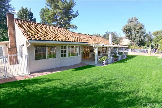 Closed | 2410 Via Mariposa  San Dimas, CA 91773 34