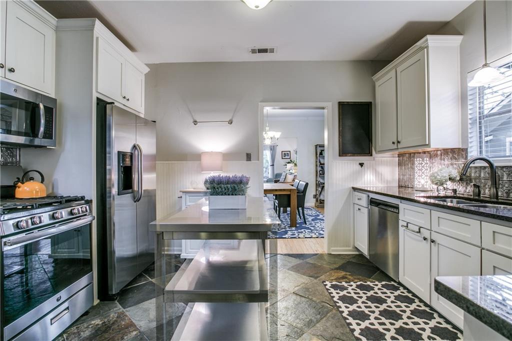 Sold Property | 906 N Edgefield Avenue Dallas, Texas 75208 9