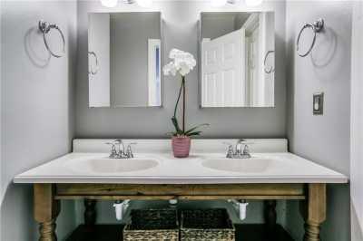 Sold Property   906 N Edgefield Avenue Dallas, Texas 75208 13