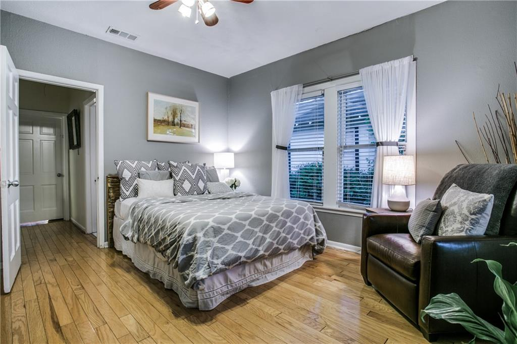 Sold Property | 906 N Edgefield Avenue Dallas, Texas 75208 14