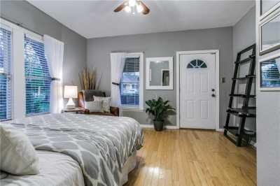 Sold Property   906 N Edgefield Avenue Dallas, Texas 75208 15