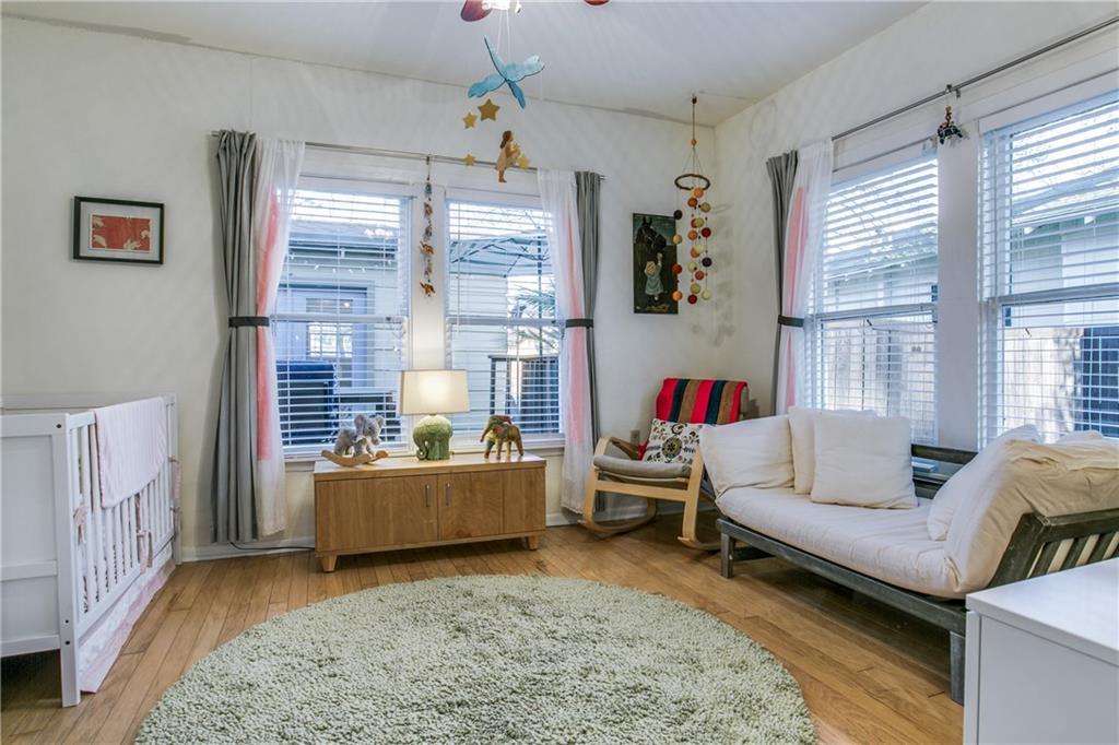 Sold Property | 906 N Edgefield Avenue Dallas, Texas 75208 16