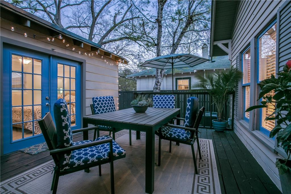 Sold Property | 906 N Edgefield Avenue Dallas, Texas 75208 18