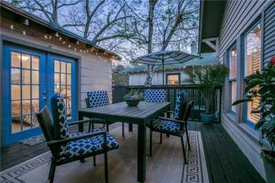 Sold Property   906 N Edgefield Avenue Dallas, Texas 75208 18