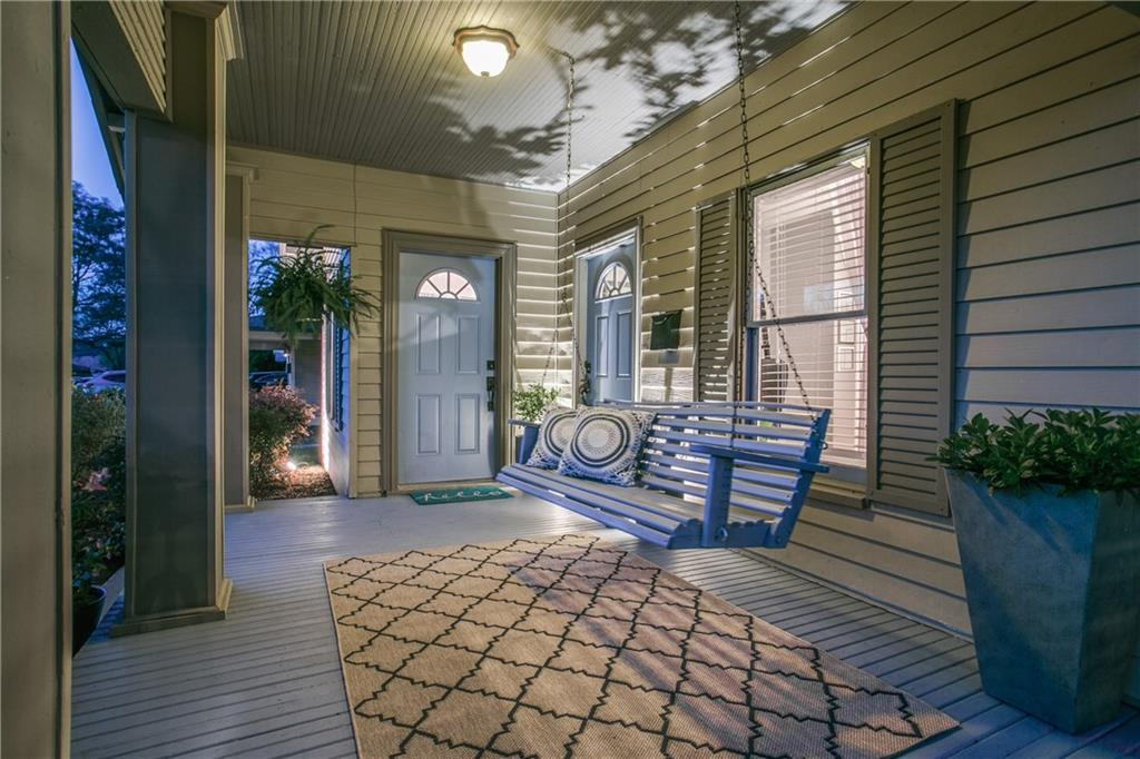 Sold Property | 906 N Edgefield Avenue Dallas, Texas 75208 2