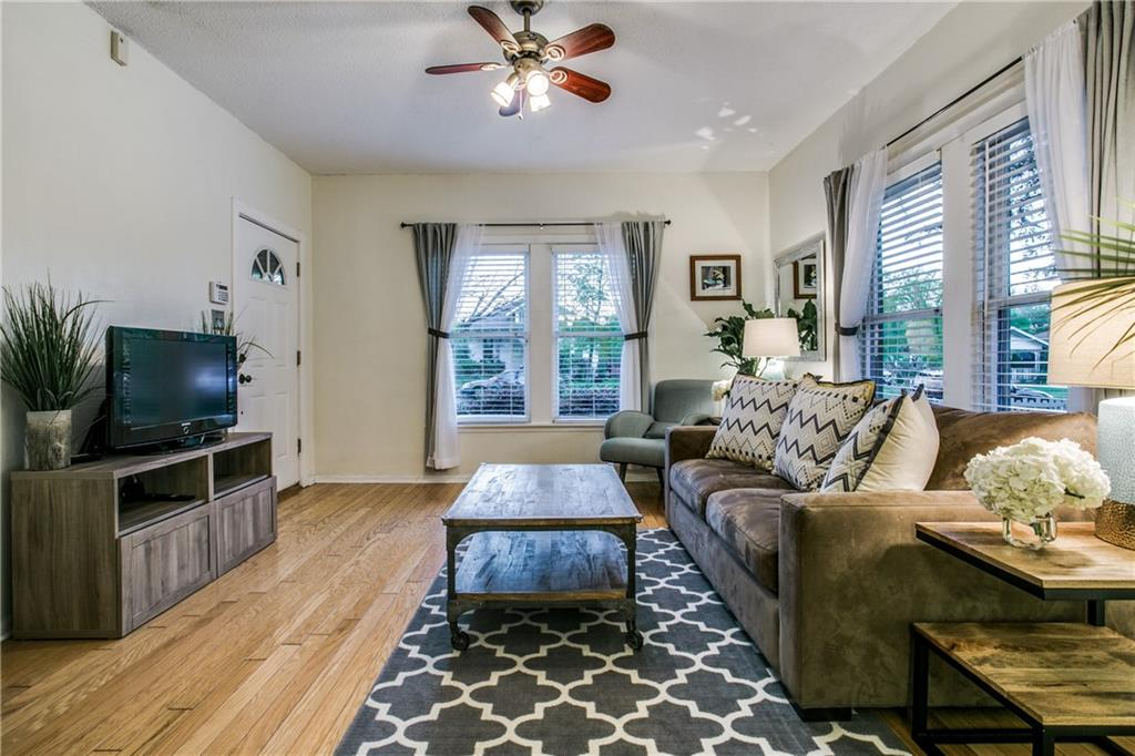Sold Property | 906 N Edgefield Avenue Dallas, Texas 75208 4
