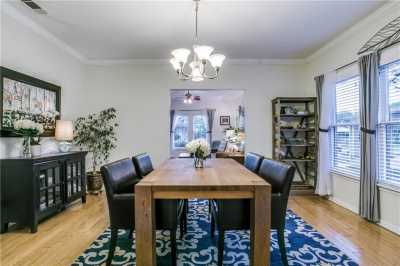 Sold Property   906 N Edgefield Avenue Dallas, Texas 75208 7