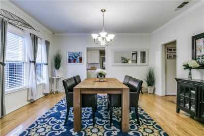Sold Property   906 N Edgefield Avenue Dallas, Texas 75208 8