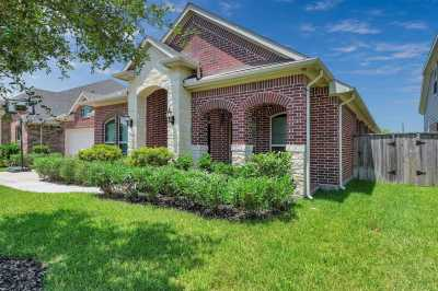 Closed | 3418 Norwich Gardens Lane Fulshear, Texas 77441 1