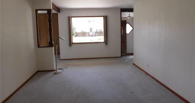 Closed | 8403 Cravell Avenue Pico Rivera, CA 90660 12