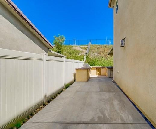 18009 Lapis Lane | 18009 Lapis Lane San Bernardino, CA 92407 54