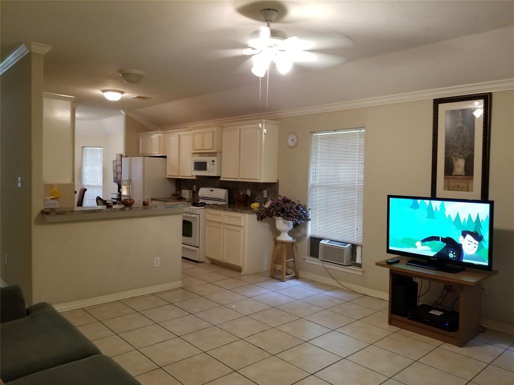 Off Market | 817 Enterprise Street Houston, Texas 77088 2