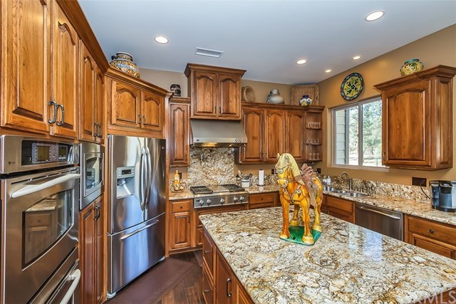 Closed | 60414 Table Mountain Road Mountain Center, CA 92561 16
