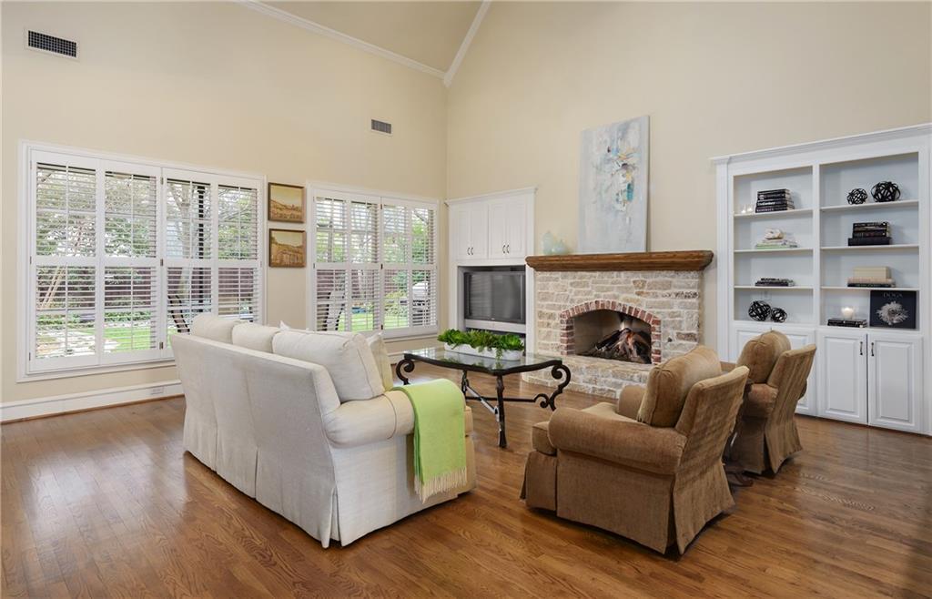Sold Property | 6476 Mimosa Lane Dallas, Texas 75230 8