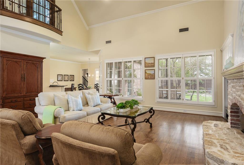 Sold Property | 6476 Mimosa Lane Dallas, Texas 75230 9