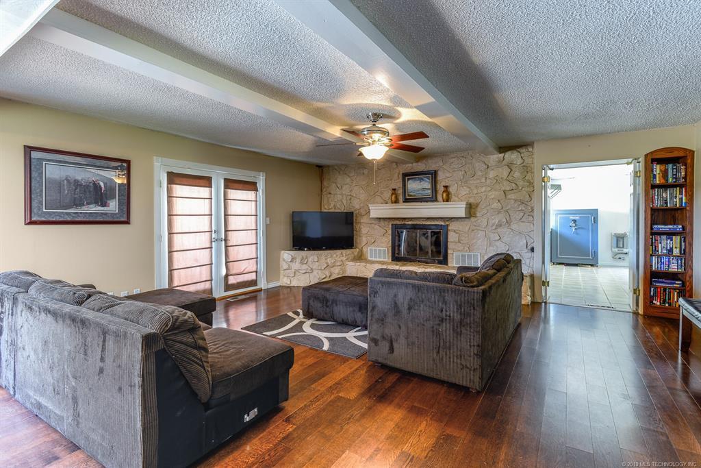 Off Market | 8366 E Winchester Avenue Claremore, Oklahoma 74019 1
