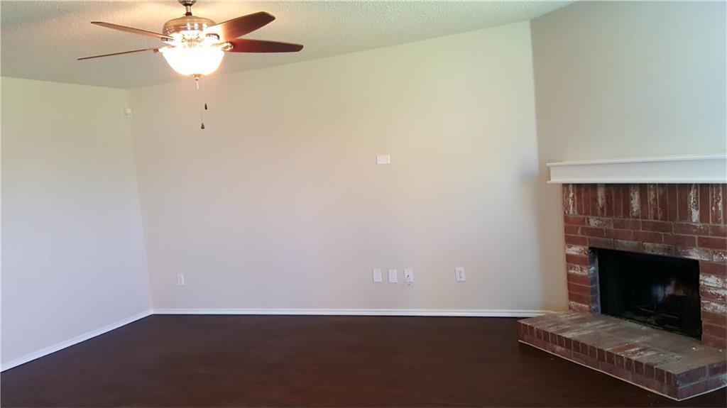 Sold Property | 8402 Redheart Street Arlington, Texas 76002 3