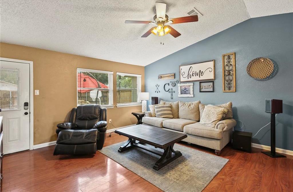 DFW Real Estate | 2713 Holy Cross Lane Garland, Texas 75044 11