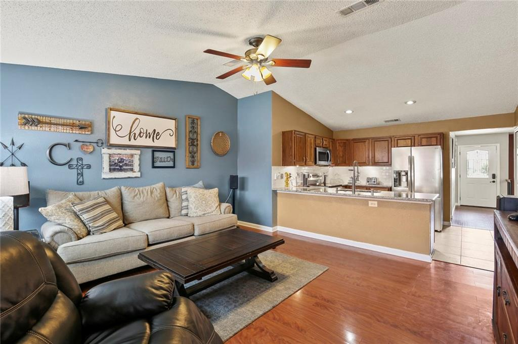 DFW Real Estate | 2713 Holy Cross Lane Garland, Texas 75044 13