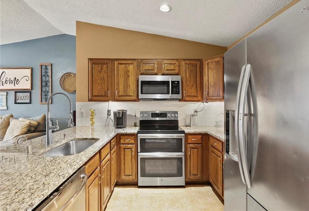 DFW Real Estate | 2713 Holy Cross Lane Garland, Texas 75044 10