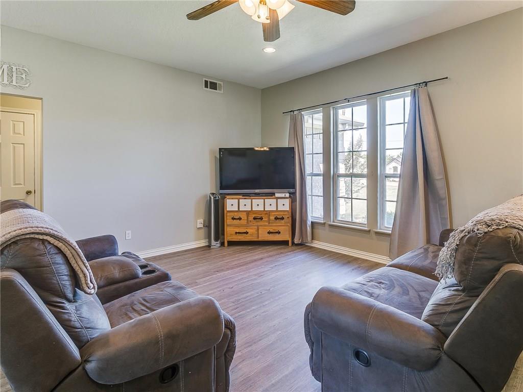 Sold Property | 1307 Shawnee Trail Granbury, TX 76048 4