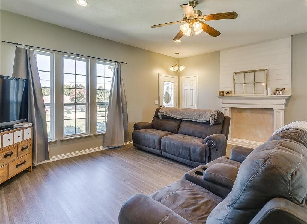 Sold Property | 1307 Shawnee Trail Granbury, TX 76048 5